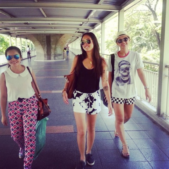 Bangkok strolling with Nida and Lyda